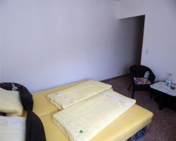 Zimmer-2-mit-Zugang